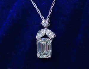 Diamond Necklace Appraised By 21 Times At Antiques Roadshow