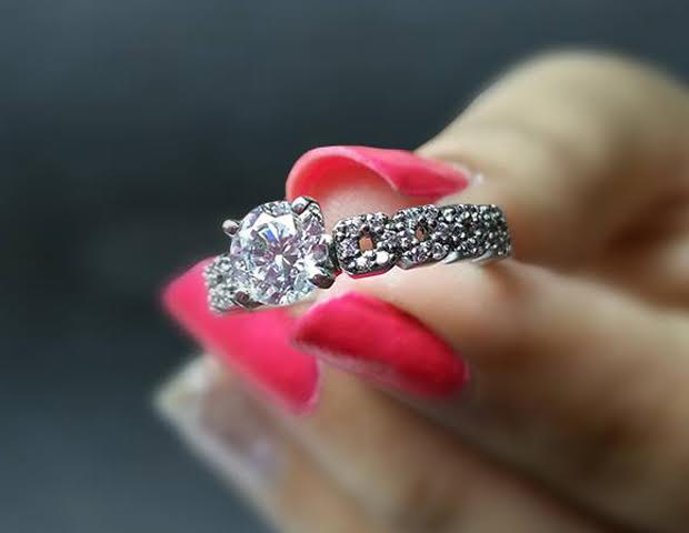 Know How Your 1 Carat Diamond Ring Looks