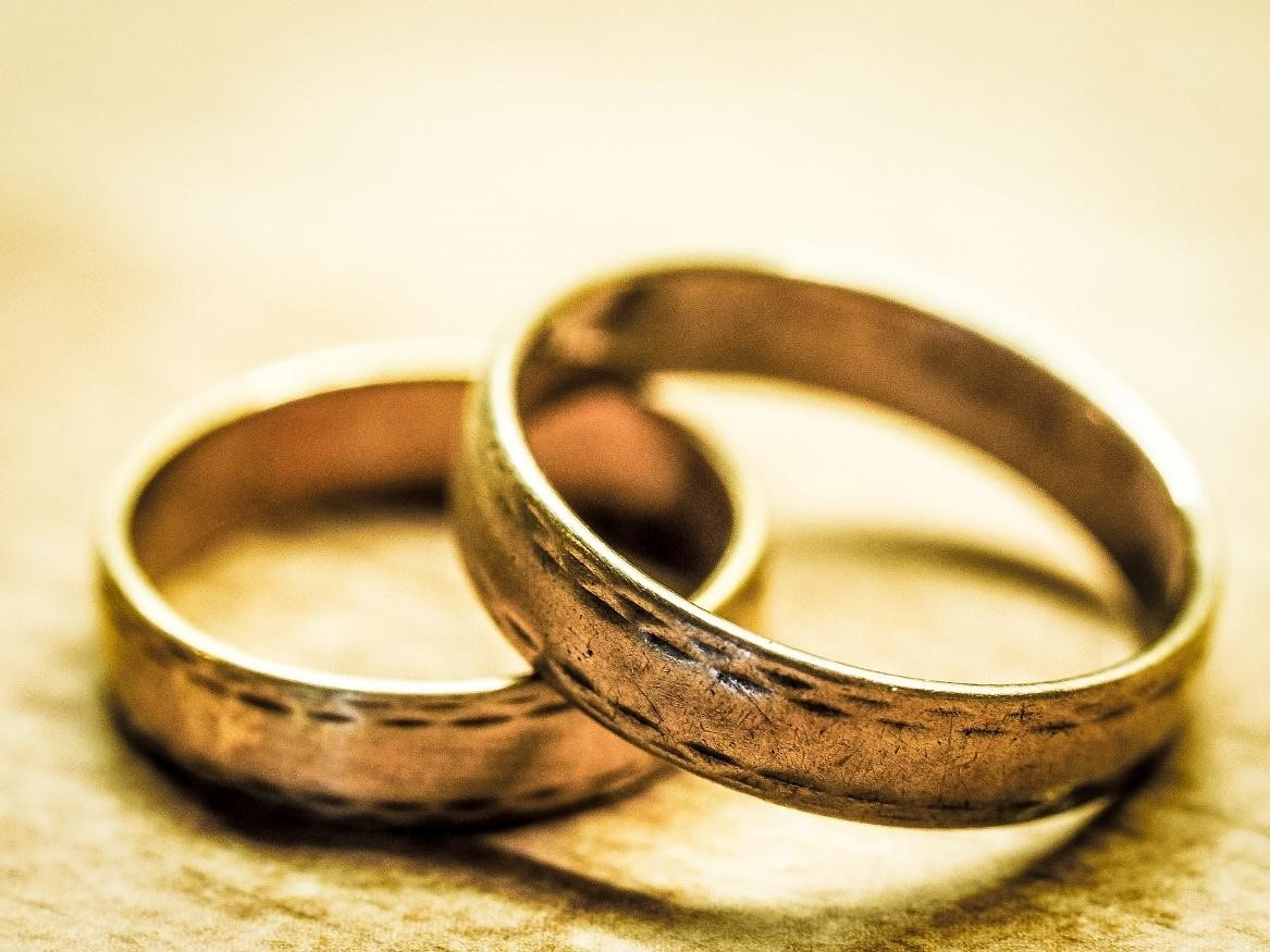 Are You Allergic To Your Wedding Band?