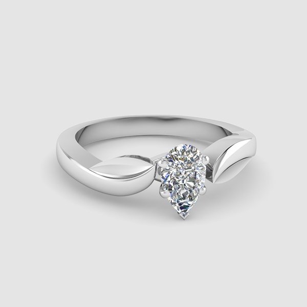 Solitaire Pear Shaped Diamond Rings