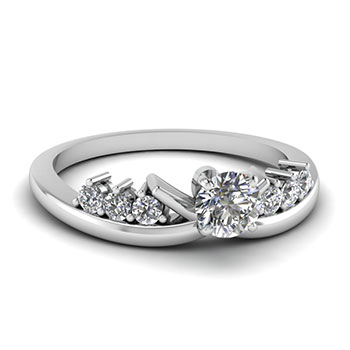 0.50 Carat Round Cut Diamond Engagement Ring