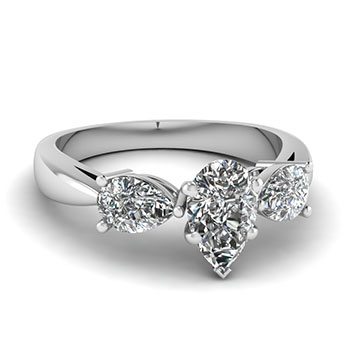 1 Carat Pear Shaped Diamond Engagement Ring For Women
