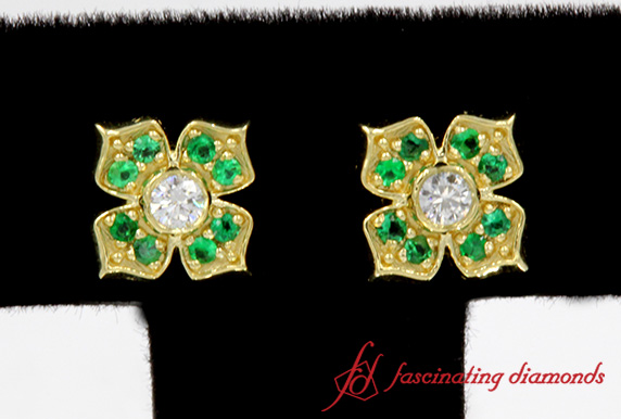 Flower Diamond With Emerald Stud Earring