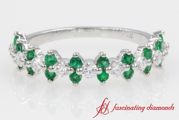 Round Diamond With Emerald Wedding Band In White Gold