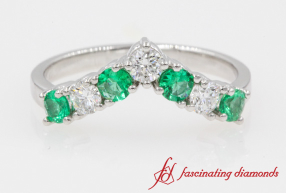 V Design Emerald Band