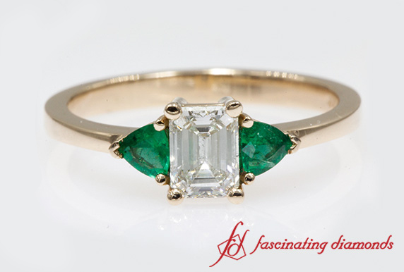 Tapered Trillion Ring With Emerald