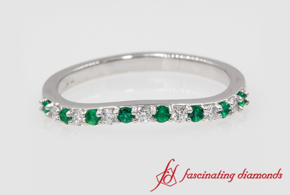 Curved Diamond Wedding Band With Emerald In Platinum