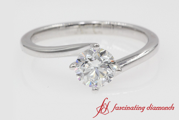 4 Prong Twisted Round Diamond Ring