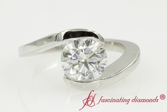 Round Cut Single Stone Ring