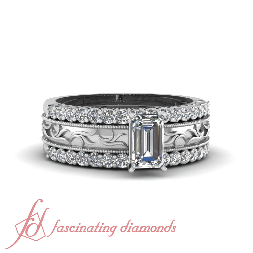 This is a photo of Details zu Emerald Diamond Solitaire Platinum Engagement Ring With 330 Wedding Bands 30.930 Ct